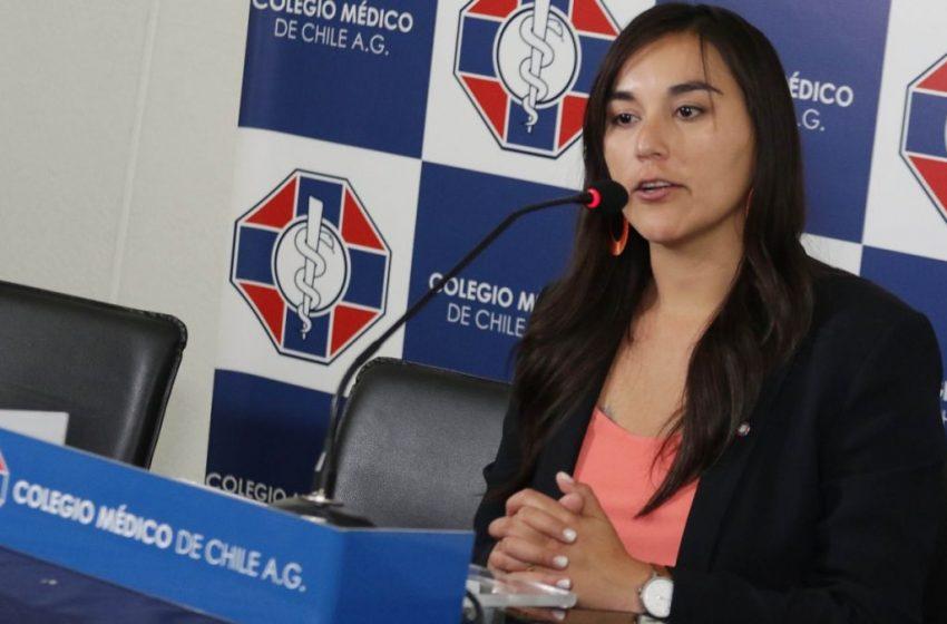 """Colegio Médico hace un llamado a """"extremar las medidas"""" para frenar al Covid-19"""