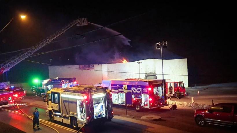 Incendio causo daños a ex disco Ballarta en Antofagasta