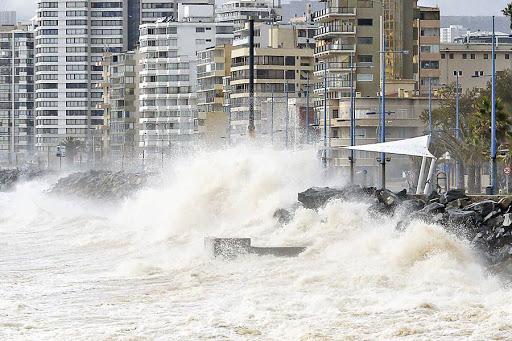 Marejadas de hasta 5 metros de altura afectará a gran parte del norte de Chile