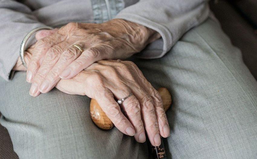 Covid-19: 70% de los fallecidos en la Región de Antofagasta son adultos mayores