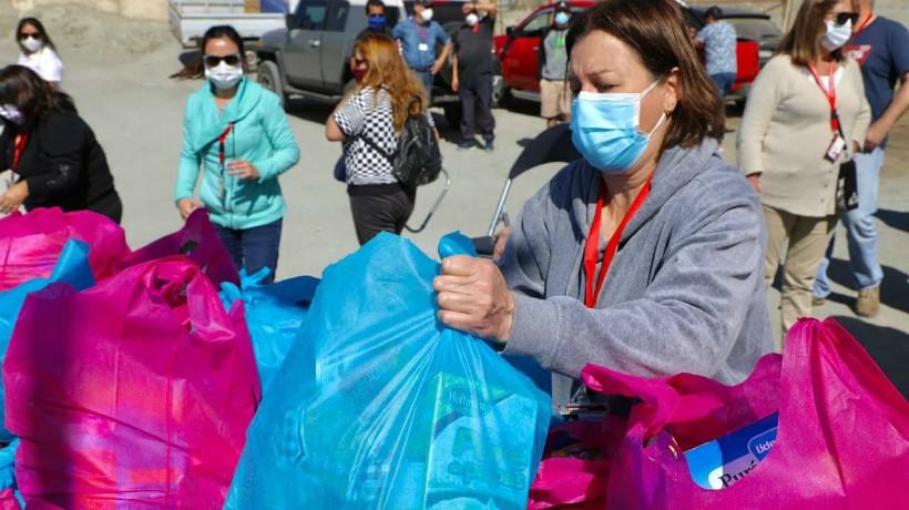 Familias que viven en caletas de Antofagasta fueron beneficiados con canastas de alimentos