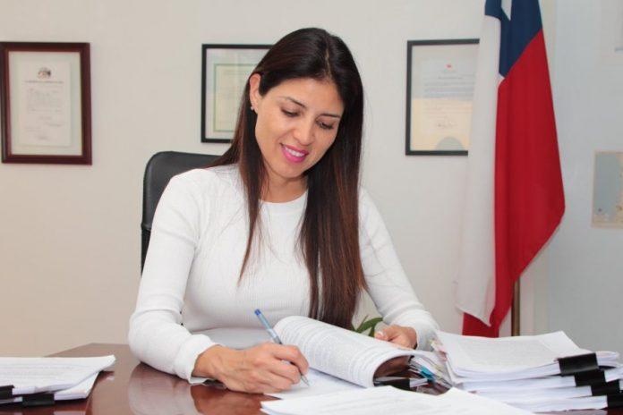 Alcaldesa de Antofagasta renunció a su cargo