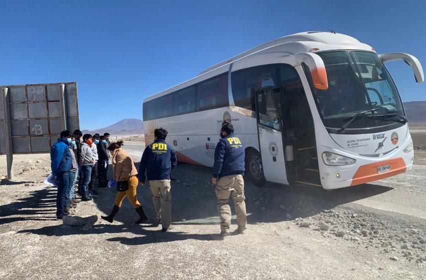 Desde Calama 15 reos bolivianos fueron expulsados de nuestro país