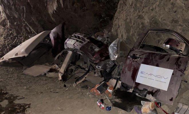 """Carabineros encuentra """"desarmaduría"""" de autos en mina abandonada en Antofagasta"""