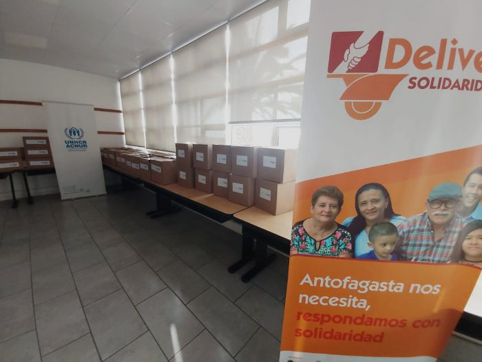 Campaña recibe donación de 45 cajas de alimentos de ACNUR y 800 mil pesos de Colegio San Luis
