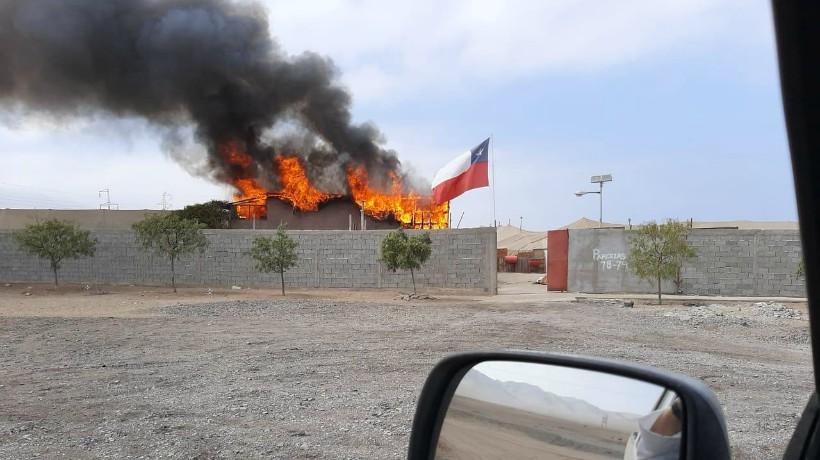 Parcela hidropónica de Antofagasta se incendió y dejó al cuidador del lugar sin vivienda