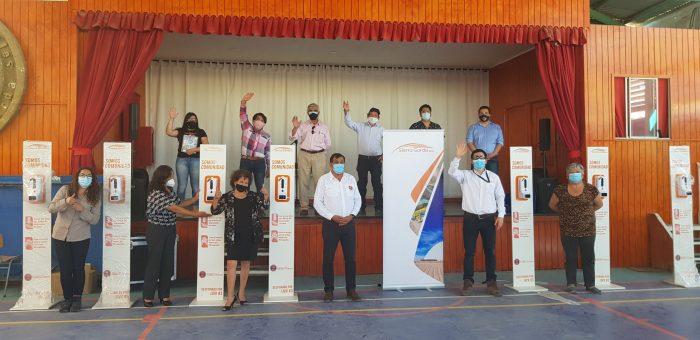 Prevención de Covid-19: Sierra Gorda SCM entregó tótems sanitizadores a vecinos de la comuna