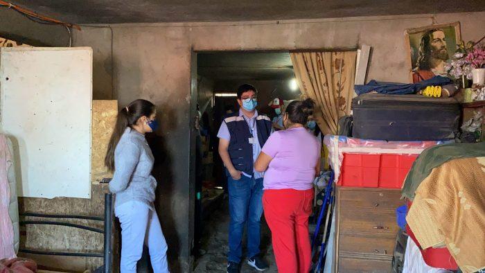 Municipio entrega ayuda social a ocho hermanos adultos mayores de Antofagasta