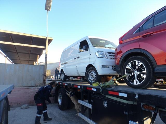 Aduanas intercepta en Quillagüa un furgón con 240 millones de pesos en drogas