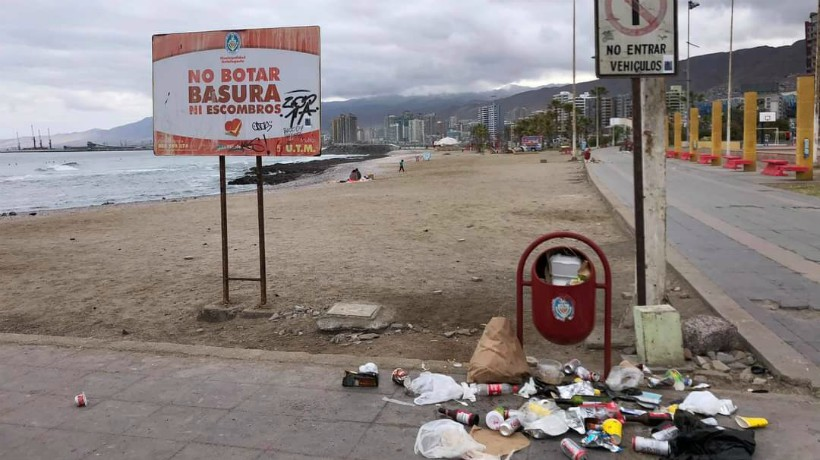 Primer fin de semana sin cuarentena en Antofagasta y el resultado es gran cantidad de desechos en costas y parques