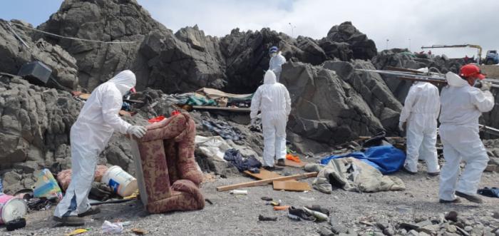 Retiran 50 mil kilos de basura del borde costero de Antofagasta
