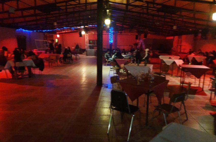 ¡Irresponsables! 90 detenidos dejo una fiesta clandestina en Calama