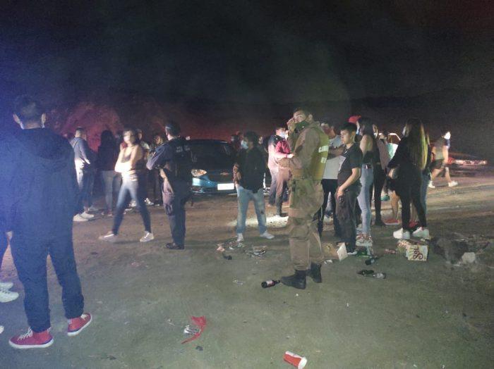 41 personas detenidas dejo fiesta clandestina en plena playa en Antofagasta