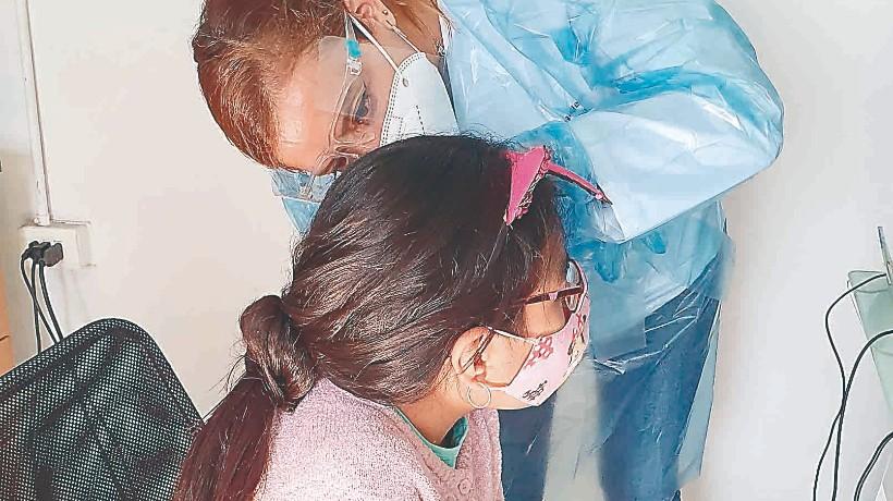 Junaeb entregó audífonos de alta tecnología a 19 alumnos de toda la región de Antofagasta