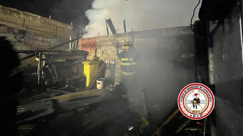 Lamentable: Incendio dejo dos casas destruidas y ocho personas damnificadas en Antofagasta