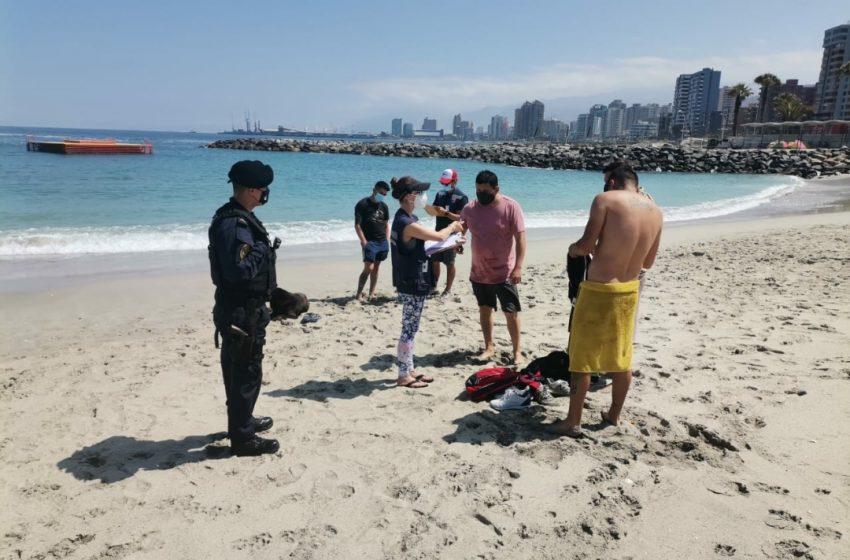 32 sumarios realizó la armada a personas que no se encontraban con permisos en el centro y playas de Antofagasta