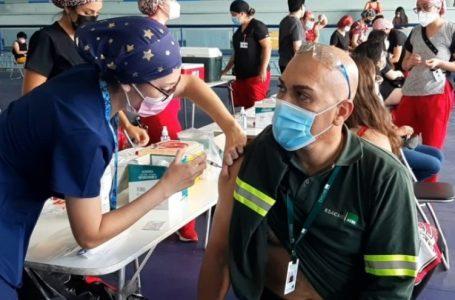 En maratónica jornada inoculan a 999 personas en Estadio Guibaldo Ormazabal de Antofagasta