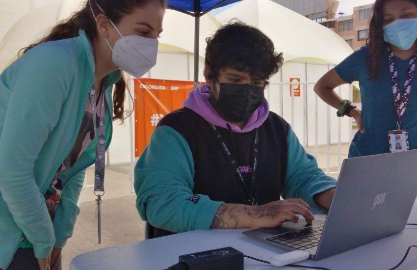 El Abra dona computadores para apoyar registro de vacunación en Región de  Antofagasta