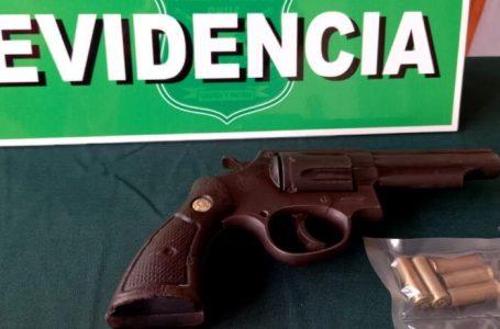 Detienen en Antofagasta a sujetos con una subametralladora, pistolas y una granada