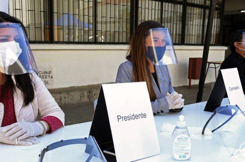 Vocal de mesa: las causales de excusas para las primarias presidenciales