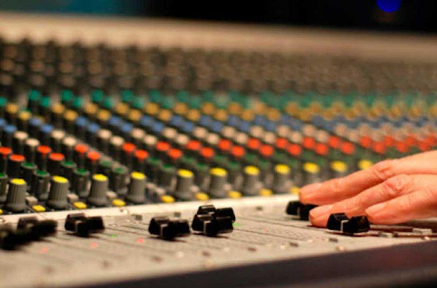 Compañía de teatro de la Universidad de Antofagasta estrenará obra de audioteatro