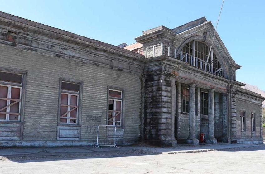 Autoridades visitan conjunto ferroviario Patio Sur de Antofagasta a la espera de su declaratoria como Monumento Nacional