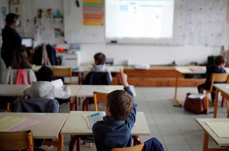 Escuelas municipales de Antofagasta volverán este mes a clases presenciales