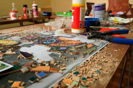 Talleres de mosaico buscan fortalecer la identidad cultural en Antofagasta